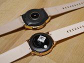 Vergleich der goldenen Version der letztjährigen Galaxy Watch und der goldenen Variante der neuen Galaxy Watch Active