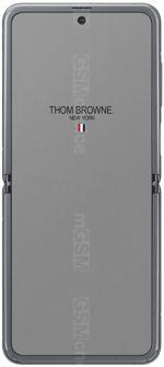 Galerie photo du mobile Samsung Galaxy Z Flip Thom Browne