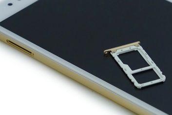 Slot delle carte nel Xiaomi Mi A1