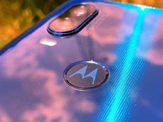 Colours of Motorola One Vision