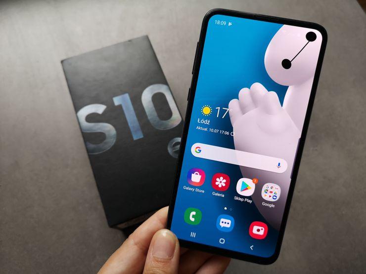 Despite few flaws Samsung Galaxy S10e is a great model